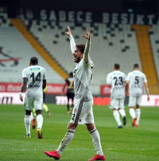 Rıdvan Dilmen'den Beşiktaş'a övgü: Futbolu en iyi oynayan takım Beşiktaş